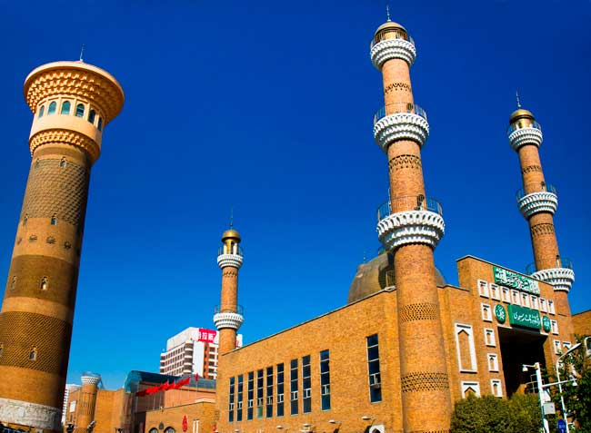 A notable tan per cent of Urumqi's population is Muslim – You'll find many mosques within Urumqi.